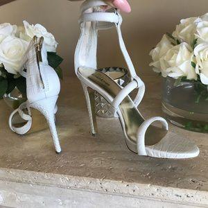 Bebe t strap dress heels